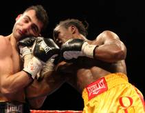Boxing at the Joint-Vanes Martiosyan vs. at Kassim Ouma