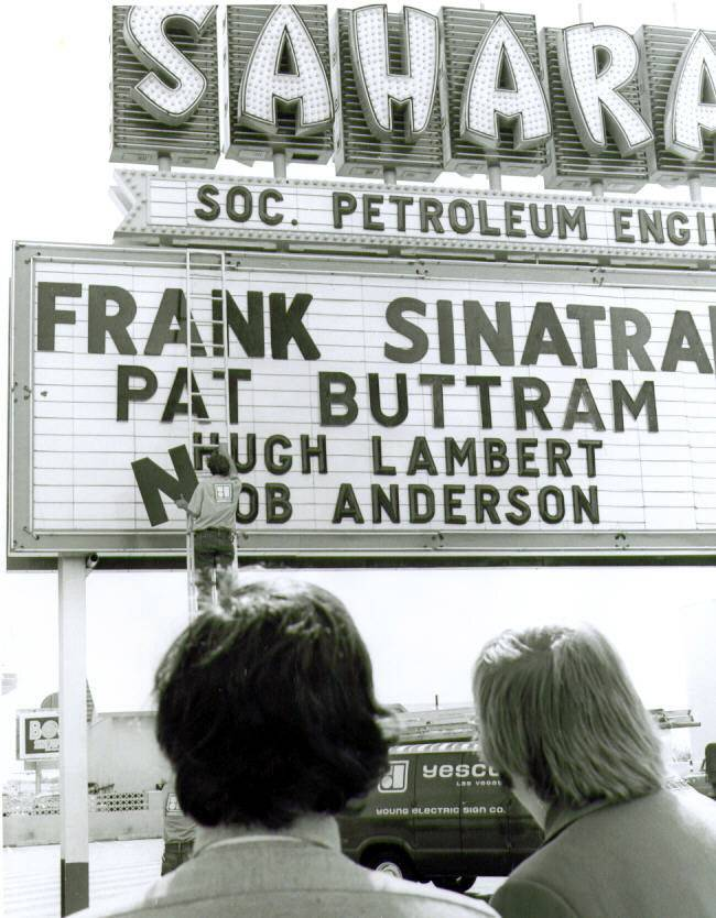 The Sahara marquee advertises a show with Frank Sinatra, Pat Buttram, Hugh Lambert and Bob Anderson.