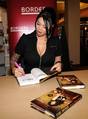 Tera Patrick signs her book <em>Sinner Takes All</em> at Borders in Town Square on Jan. 8, 2010.