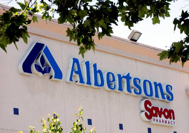 **FILE**An Albertsons supermarket is shown in a Mountain View, Calif. file photo from May 30, 2006. Ross Stores said the company will acquire 46 Albertsons supermarket sites in six states, including California, as part of its ambitious expansion plans for next year.