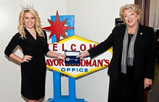 Miss America Teresa Scanlan receives a key to the city from Mayor Carolyn Goodman on Sept. 8, 2011.