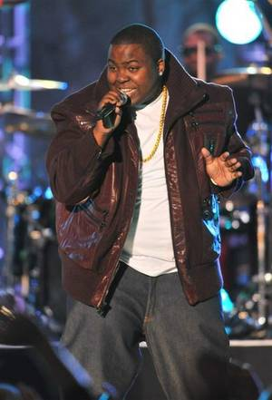 Fox's New Year's Eve 2009 telecast <em>Billboard's New Year's Eve Live</em> at Mandalay Bay Beach included Carmen Electra, Sean Kingston, pictured here, Allison Iraheta and Kris Allen.