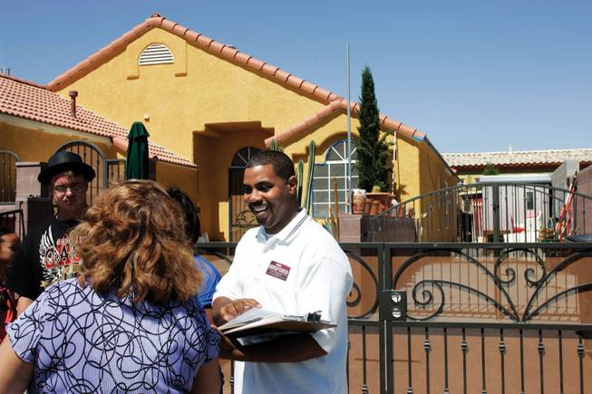 Steve Horsford talks with volunteers before walking door to door on the campaign trail in 2008.