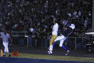 Basic scores a touchdown at the game against Del Sol Friday night.
