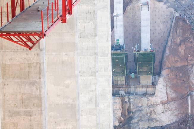 Worker dies at Hoover Dam bypass bridge project - Las Vegas Sun