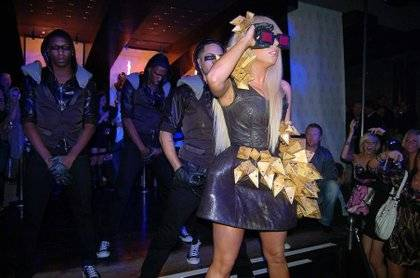 Lady Gaga just dances at Jet.