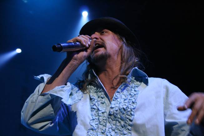 10:55 p.m.: Kid Rock performs at the Pearl.