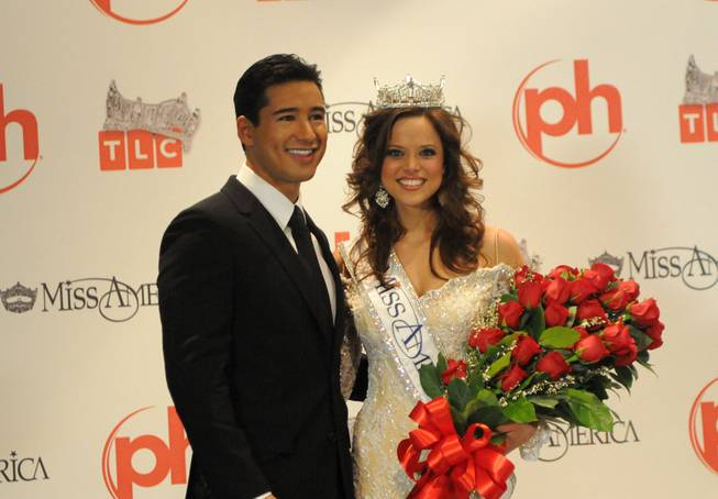Host Mario Lopez and Miss Indiana Katie Stam attend the press conference after the 2009 Miss America Pageant  at Planet Hollywood in Las Vegas on Jan. 24, 2009.