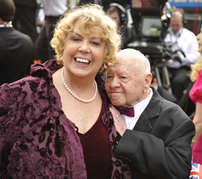 Mickey Rooney and his wife, Jan Rooney, arrive for the 81st Academy Awards Sunday, Feb. 22, 2009, in the Hollywood section of Los Angeles.