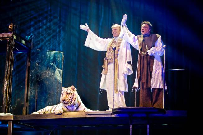 Siegfried & Roy, reunited with the big cat Montecore.