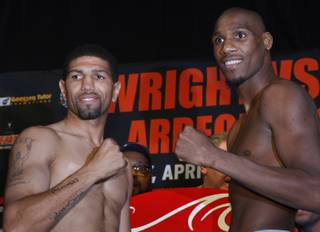 Middleweight boxers Winky Wright, left, and Paul Williams pose during an official weigh-in at the Mandalay Bay Resort in Las Vegas, Nevada, April 10 2009. The boxers will fight at the Mandalay Bay Events Center Saturday, April 11.