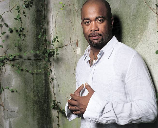 Darius Rucker, who signed with Capitol Records Nashville, will tour this summer with Rascal Flatts.
