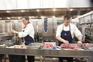 Mattin and Bryan teamed up to make a NY strip steak during the elimination challenge.