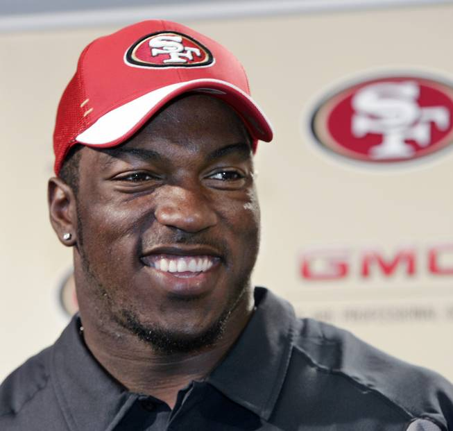 San Francisco 49ers linebacker Patrick Willis was seen partying in several places over the weekend in Las Vegas.
