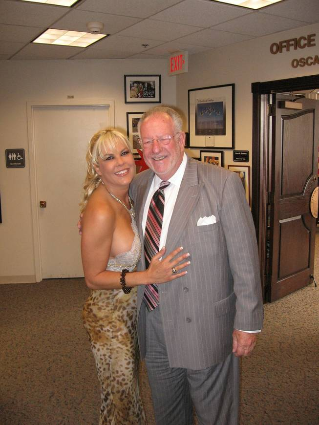 Sunset Thomas and Mayor Oscar Goodman livin' it up at City Hall, July 27, 2009.