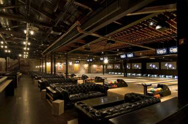 Brooklyn Bowl is a vast live music venue with a twist — 32 bowling lanes — planned for Linq.