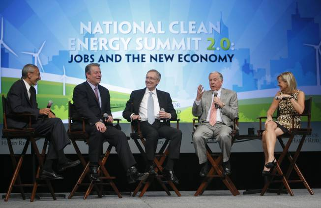 Energy executive T. Boone Pickens (second from right) responds to a question during a town hall portion of the National Clean Energy Summit 2.0 at UNLV Monday. Other participants are (from left) moderator John D. Podesta, former Vice President Al Gore, Senate Majority Leader Harry Reid and Assistant Secretary of Energy Cathy Zoi.
