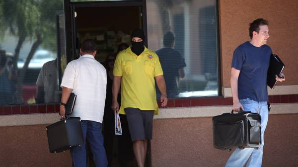 DEA Searches Vegas Pharmacy In Probe Of Doctor