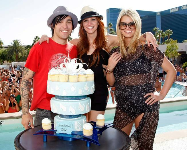 Peter Wentz, his wife, Ashlee Simpson-Wentz and her sister, Jessica Simpson, celebrate Simpson-Wentz' 25th birthday at the MGM Grand's Wet Republic, Oct., 3, 2009.