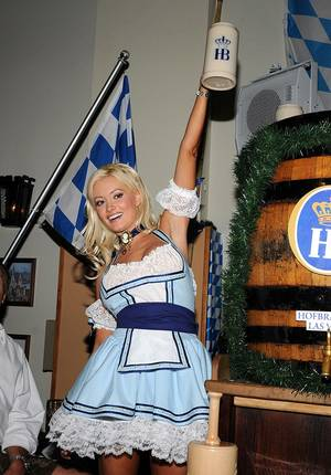 Holly Madison @Hofbrauhaus