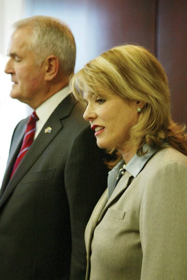 Gov. Jim Gibbons and his wife, Dawn, in 2008.