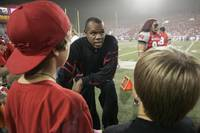 Randall Cunningham is set for one more turnover he doesn't mind committing. The former All-Pro quarterback is auctioning off memorabilia from a fantastic NFL career to raise funds for the church he serves in Las Vegas ...
