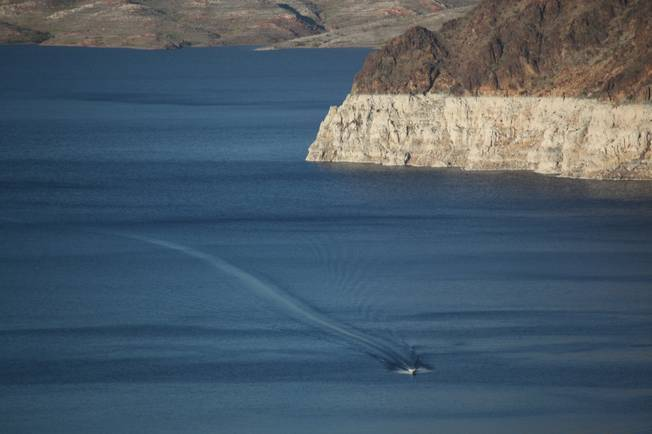 A national conservation group is asking the Nevada Division of Environmental Protection to limit toxins and chemicals in Lake Mead and other Southern Nevada waterways.