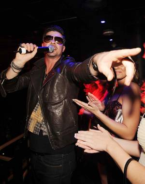 Robin Thicke performs at the Bank in the Bellagio on Nov. 21, 2009.