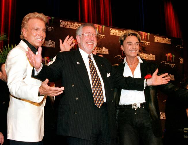 Mayor Oscar Goodman and Siegfried & Roy, on the event of their lifetime contract announcement at The Mirage in 2001.