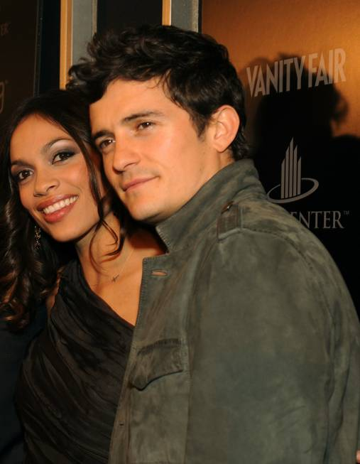 Rosario Dawson and Orlando Bloom at the <em>Vanity Fair</em> party ...