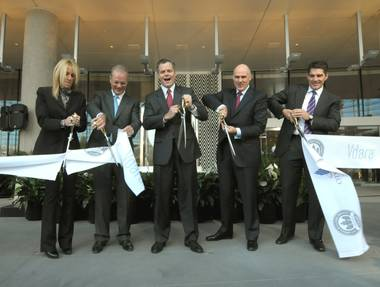 It all starts this morning with a red ribbon cutting at the nongaming, nonsmoking, 1,495 all-suites Vdara hotel. In total, CityCenter will include 6,000 rooms and ...