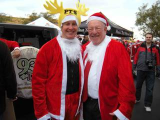 Kyle Busch and Oscar Goodman at the 2009 Great Santa Run at Town Square on Dec. 5, 2009.