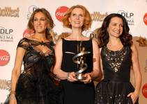 Sarah Jessica Parker, Cynthia Nixon and Kristin Davis at the 2010 ShoWest Awards at the Paris on March 18, 2010.