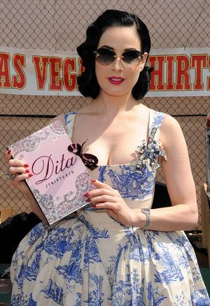 2010 Rockabilly Weekend: Dita Von Teese