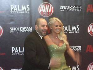 Dave Attell on the AVN Awards Show red carpet with adult industry stalwart Bree Olson.