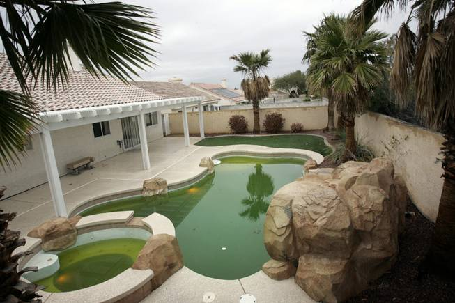 Foreclosure investors suing over HOA, collection fees - Las Vegas