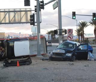 1 dies in rollover crash on Las Vegas Boulevard - Las Vegas Sun