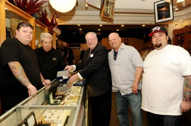 Mayor Oscar Goodman, center, and the <em>Pawn Stars</em> cast.
