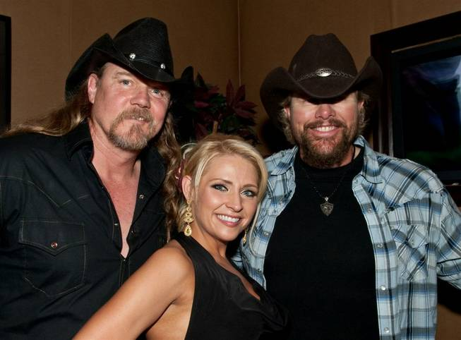 Randy Houser at Toby Keith's I Love This Bar & ...