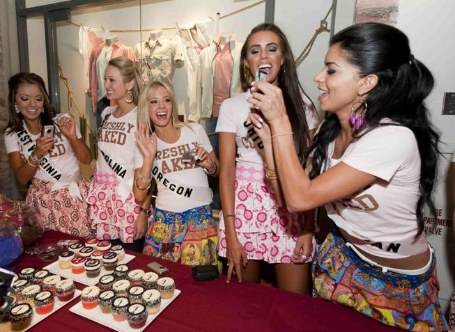 Contestants of the 2010 Miss USA Pageant at The Cupcakery ...