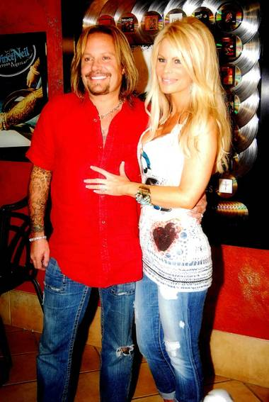 We thought for sure the opening of Vince Neil's new club, Tres Rios Cantina would get a little wild, but apparently rock stars have bedtimes.