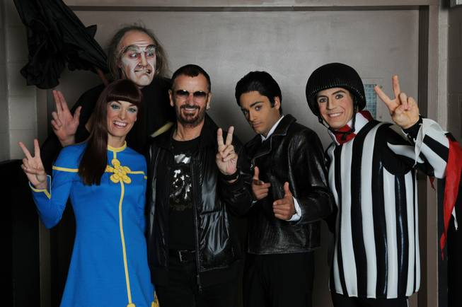 Ringo Starr and cast members of <em>Love</em> at The Mirage in Niagra Falls.
