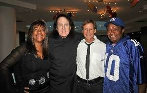 Mary Wilson, Tommy James, Ron Dante and Little Anthony.
