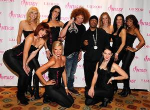 Carrot Top, Sisqo and the <em>Fantasy</em> Girls at the Luxor.