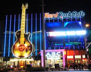 Holly Madison Lights Up Hard Rock Cafe