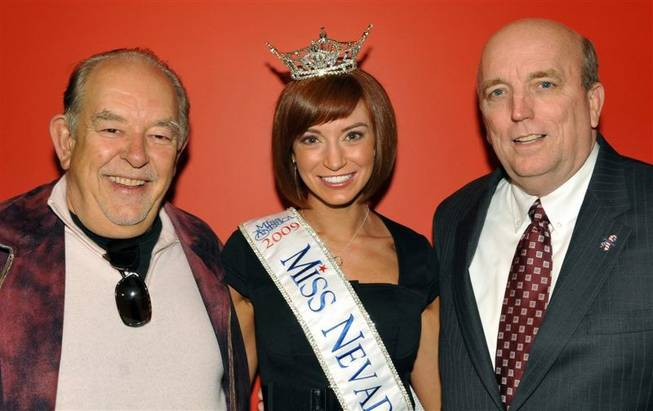 Robin Leach with Miss Nevada Christina Keegan and Miss America Organization President Art McMaster.