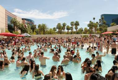 With a fast-paced, fun atmosphere and the hottest names in pop culture constantly hosting—take Kim K. or Girl Next Door Kendra Wilkinson, for example—the ultra pool is a daylife staple.