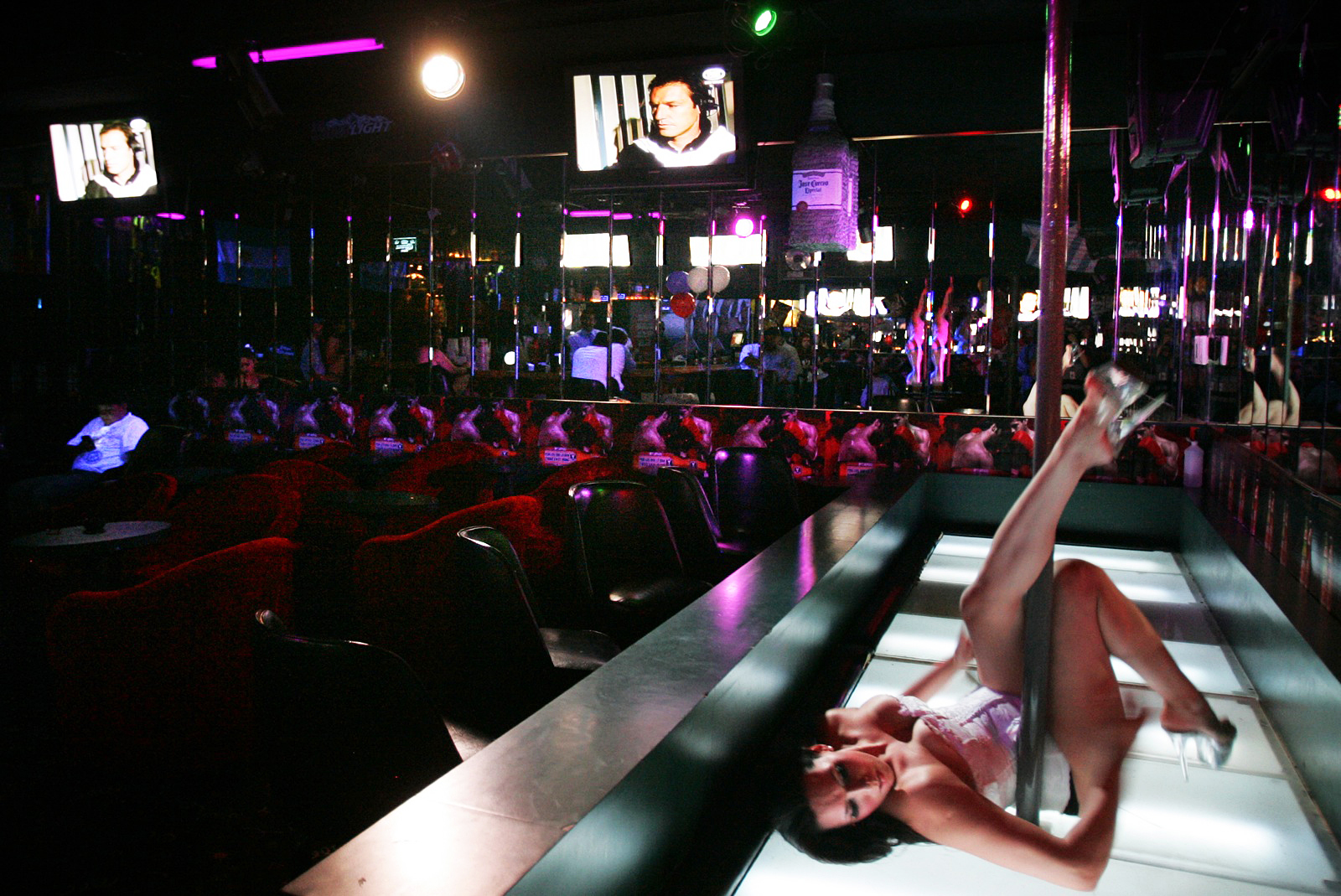 Strip club swings las vegas blvd