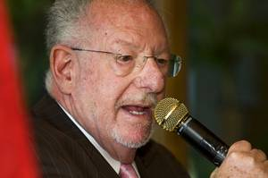 Las Vegas Mayor Oscar Goodman speaks to the Republican Men's Club at Cili Restaurant and Bar Monday, June 6, 2011.