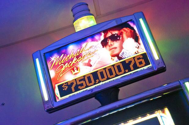 Slot Machine ufficiale di MJ in arrivo a Las Vegas e nel mondo 0922_Sun_MJMachine%20047_t618